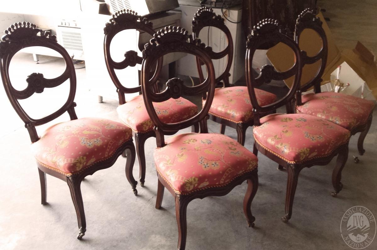 Sedie Ottocento Francese : Lotto n tavolo circolare e sei sedie