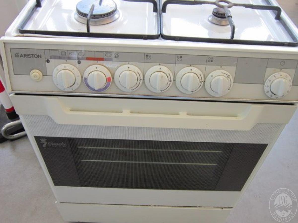 Lotto 3 cucina a gas 4 fuochi con forno marca ariston - Cucina a gas ariston ...