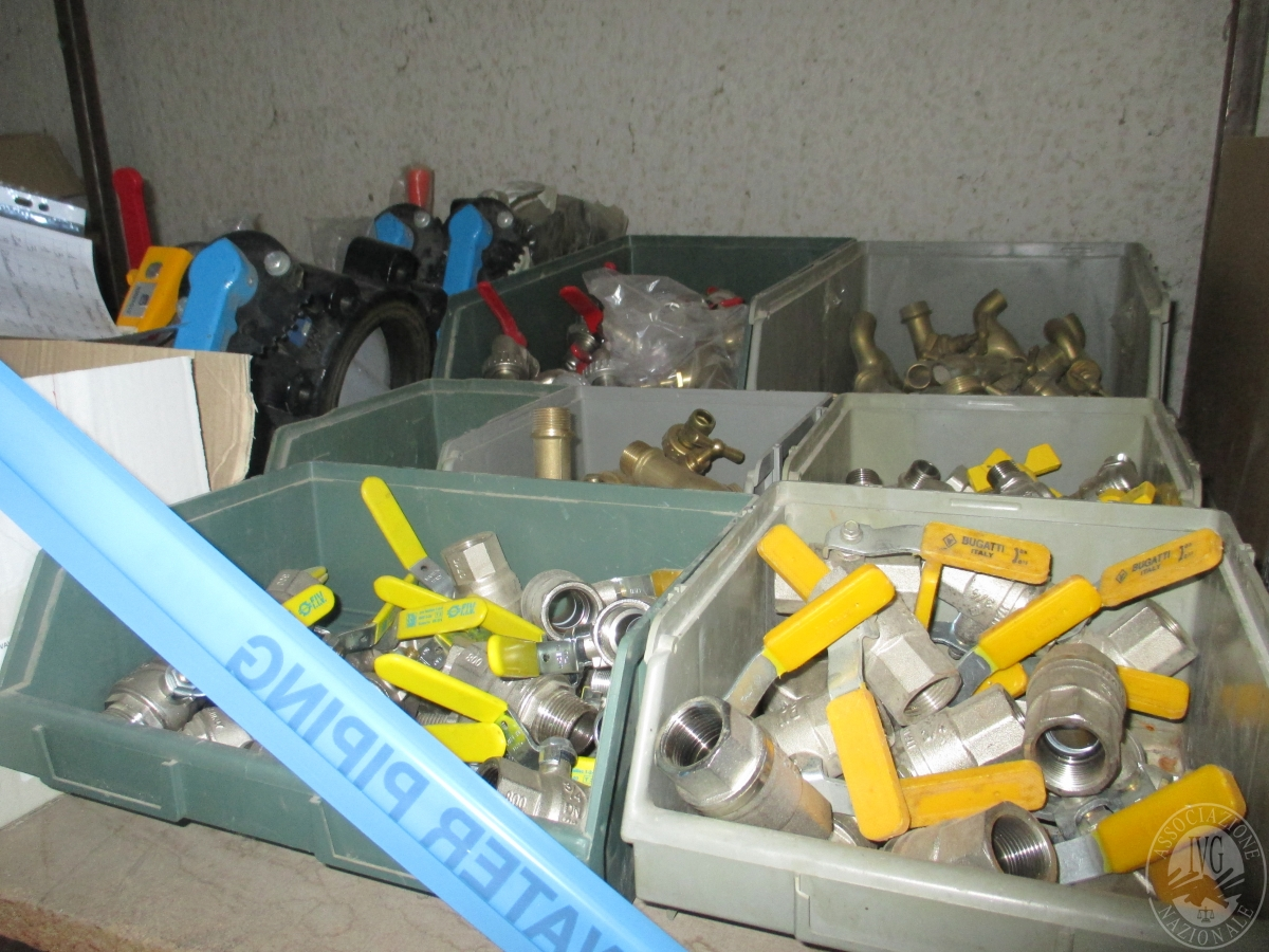 Materiale termoidraulico ed elettrico arredi per ufficio for Materiale per ufficio