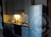 (Lotto n.9) -  Vendita in blocco di arredamento (cucina, soggiorno, camera da letto)