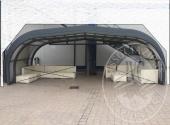 Copertura retrattile con struttura in metallo e plexiglass